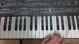 آموزش نوازندگی آهنگ های شاد با ارگ