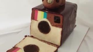 کیک لوگو اینستاگرام با روکش شکلاتی