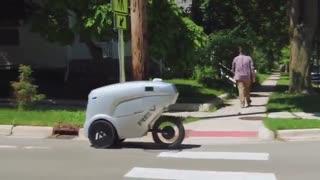 معرفی ربات خودران تحویل کالای REV-1