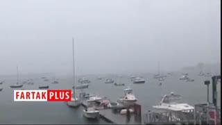 لحظه دیدنی برخورد صاعقه به یک قایق بادبانی